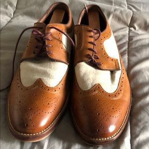 Johnston and Murphy Size 11.5 Tan & White Wingtips